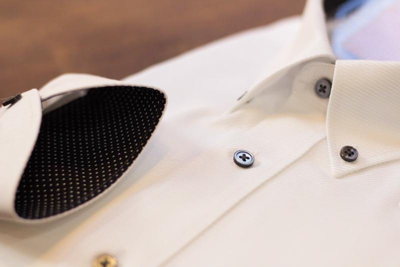 オーダーシャツ 色ボタン 貝ボタン