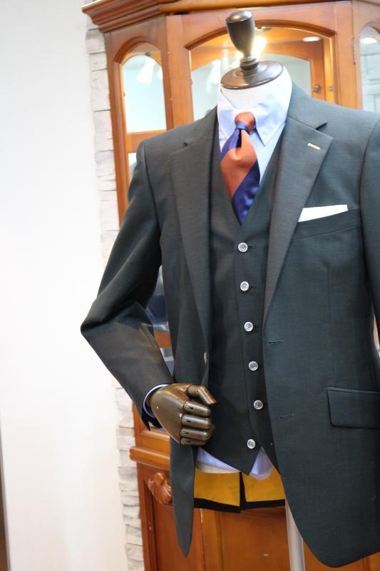 オリーブグリーンスーツ2