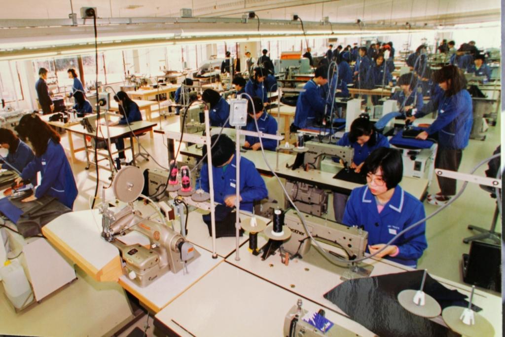 イージーオーダー縫製風景