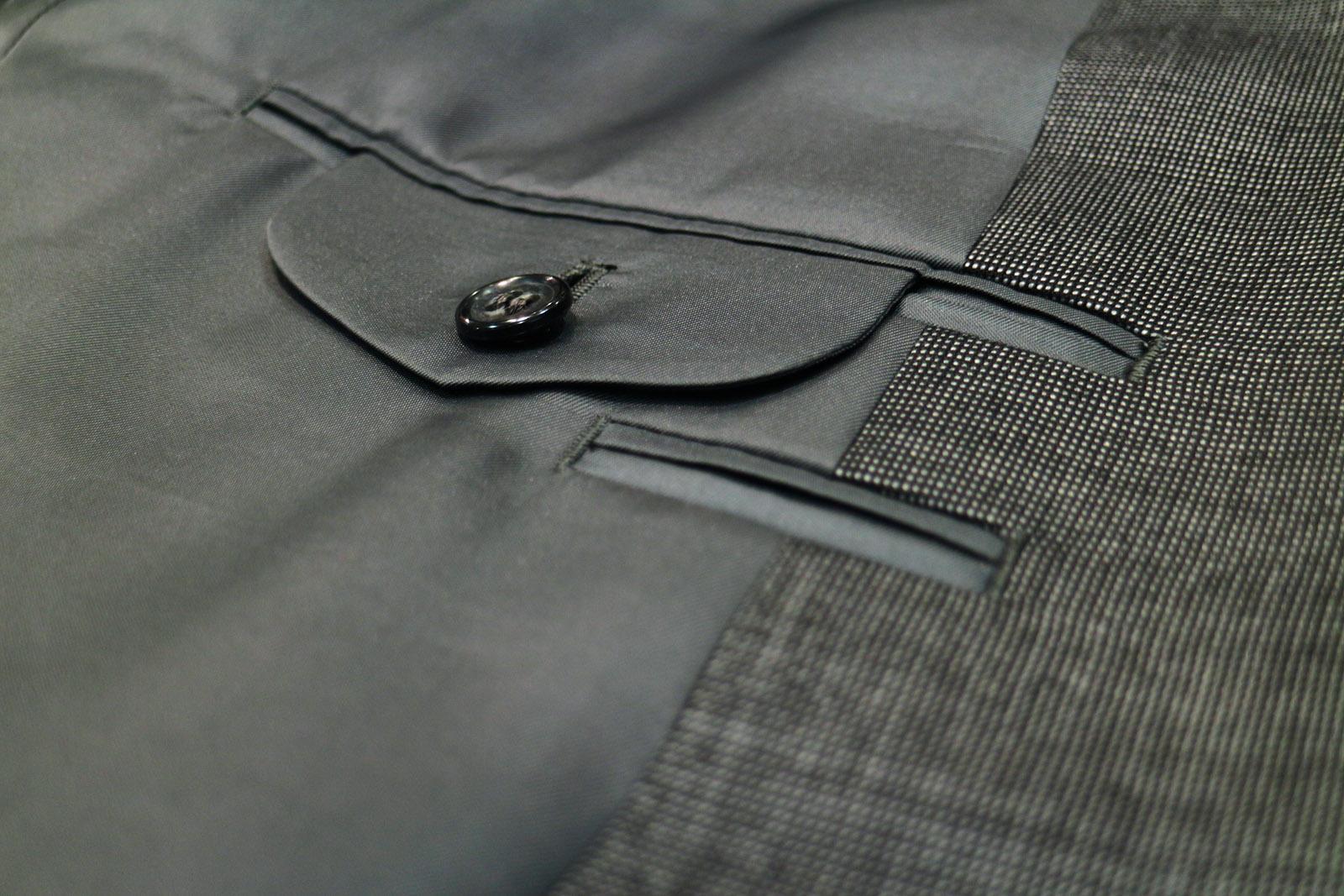 スーツの内ポケット