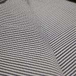 欠かせない素材感と夏のシャツ