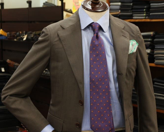 オリーブグリーンスーツ